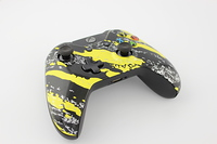 Yellow Savage Camo Xbox One Controller 3